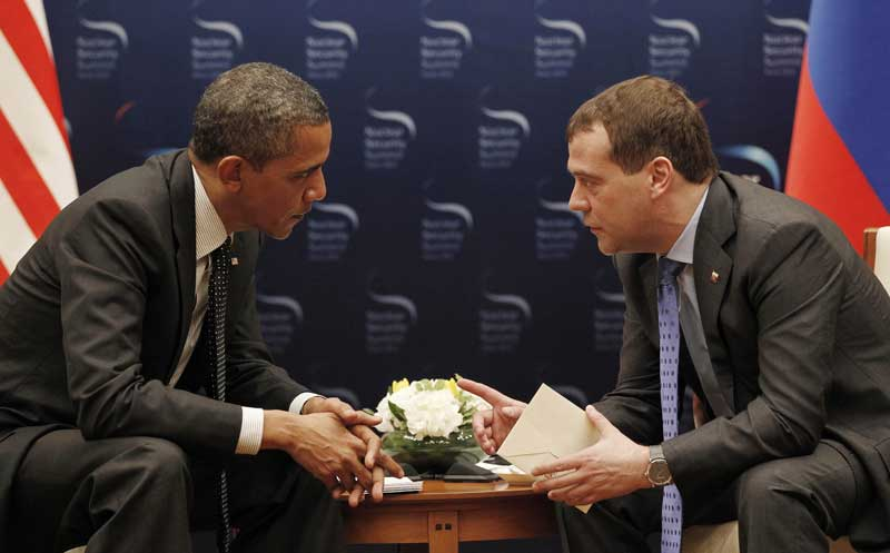 obama whispering to russian politician